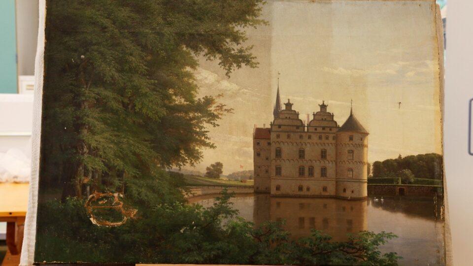 Behandling Af Flaenge I Maleri Fra Egeskov Slot Bevaringscenter Nord